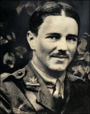 a biography of wilfred owen a british war poet Wilfred owen although he lived only 25 years, the british poet wilfred owen (1893-1918) became one of the most well known of the war poets, a school of english lyricists who wrote of their experiences and impressions during world war i.
